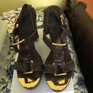 TORY BURCH  Croc Brown  Leather Strapped Sandals